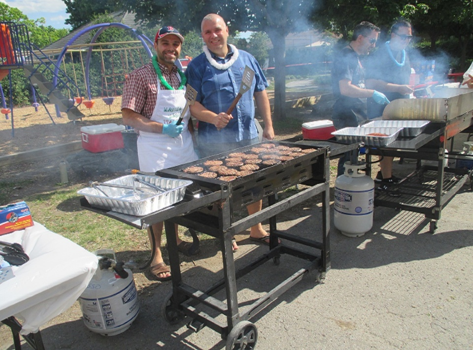 Jules Verne Elementary community BBQ and Music Festival  | Laval Families Magazine | Laval's Family Life Magazine